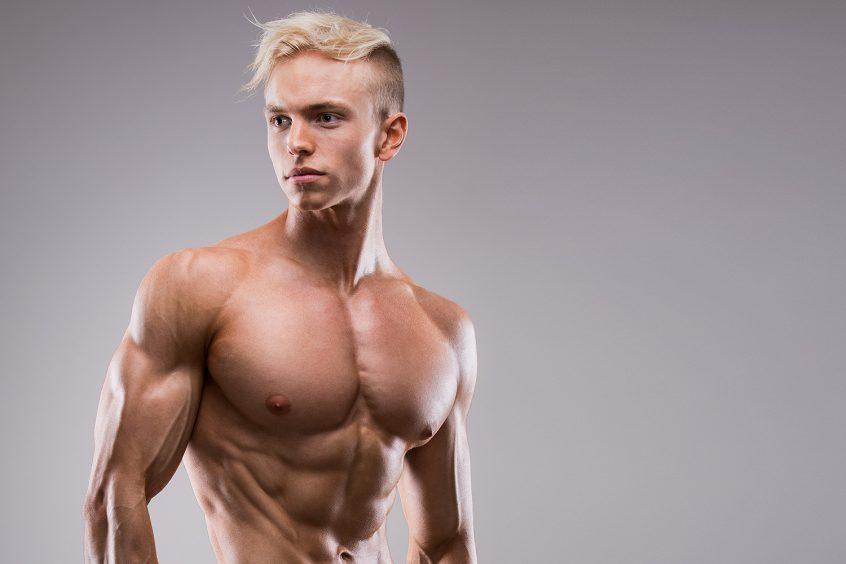 Hampus Botvid, deffad inför fotografering med fitnessfotograf Markus P i Örebro